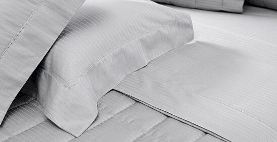 Vida útil de seu travesseiro;Detalhes da colcha e fronhas Damask Stripes Buddemeyer